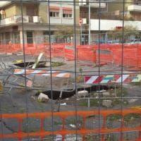 """Roma, il capogruppo 5S Ferrara: """"C'è chi boicotta i cantieri"""". Ma forse è stato solo il vento"""