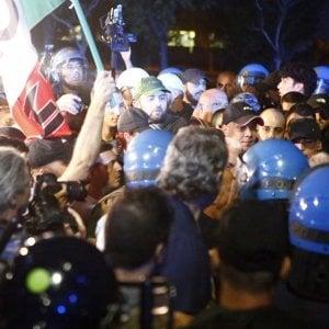 """Roma, Forza Nuova: """"Passeggiata per la sicurezza"""" al Tiburtino III bloccata dalla polizia"""