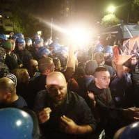 Roma, tensione al Tiburtino III tra Forza Nuova e polizia per il corteo non autorizzato