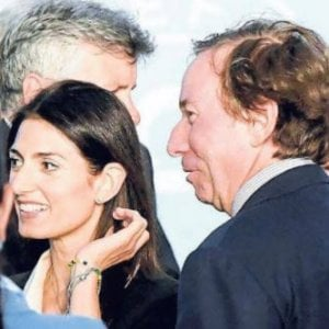 """Roma, """"Ti aiuto io con Raggi"""". L'avvocato Sammarco e la sponda a Marra"""