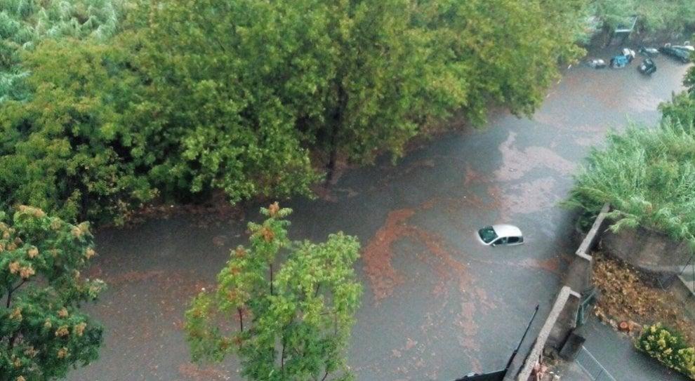 Maltempo, piogge e temporali a Roma: la Capitale allagata