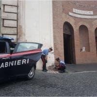 Roma, danneggia la facciata della basilica di Santa Maria degli Angeli: arrestato