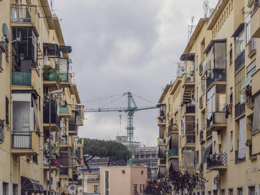 Roma, scorci di periferia nella luce dell'alba: in mostra le Borgate