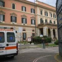 Roma, investito in via Nomentana da uno scooter: grave pedone