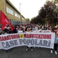 Roma, dopo gli incidenti corteo dei movimenti al Tiburtino III: