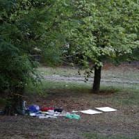 Roma, tedesca violentata e legata nuda a Villa Borghese. Caccia a un ventenne