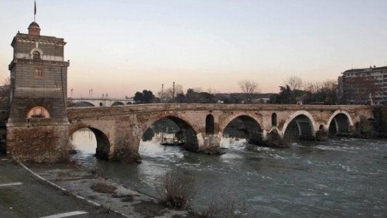 """Roma, l'Autorità del Tevere scrive a Raggi: """"A rischio alluvione 250 mila romani"""""""