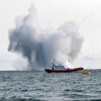 Terracina, aereo militare precipita in mare durante air show: recuperato