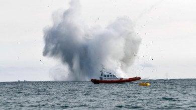 Aereo militare precipita in mare durante air   foto   show. Recuperato il cadavere del pilota