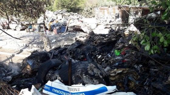 Guidonia, manovre spericolate con un furgone: scoppia la guerriglia tra residenti e nomadi
