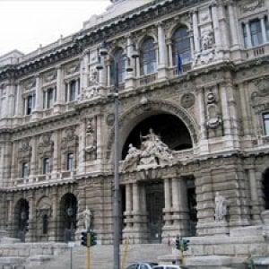 Roma, stupro in commissariato a San Basilio: la Cassazione conferma condanna di 4 anni