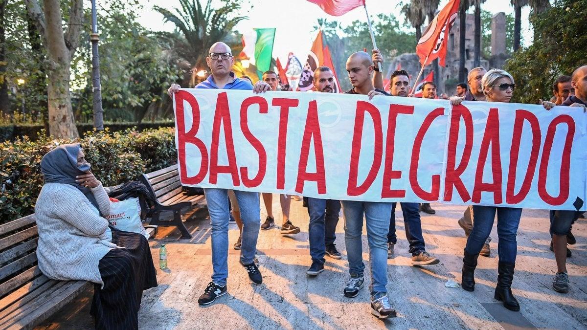 Roma solo in cento all 39 esquilino per la marcia di for Immobili c1 roma