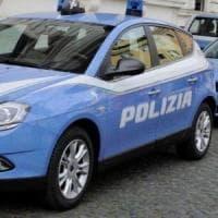 Roma, picchia la nonna per soldi e le getta il minestrone bollente addosso: arrestato