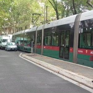 Roma, donna investita da tram in via Aldrovandi: è grave