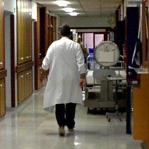 Sanità Lazio, giro di vite sulle strutture private. Niente accredito a chi usa i precari