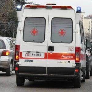 Roma, investita da un autoarticolato su via Prenestina: morta un 80enne