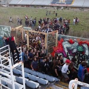 """Roma, flash-mob """"Scomodo"""": occupazione-lampo degli studenti allo stadio Flaminio"""