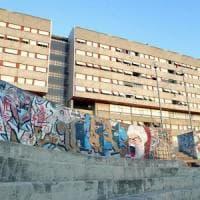 Roma, Corviale tra abusivi e droga: il chilometro di cemento dove detta legge