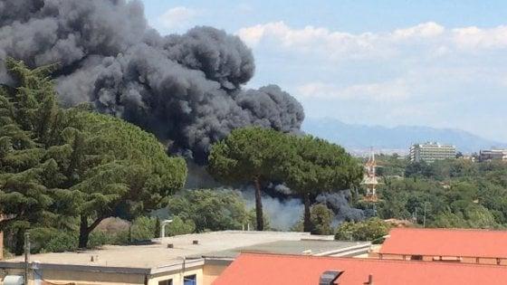 """Emergenza roghi tossici a Roma, la prefetta: """"Impiegare l'Esercito"""""""