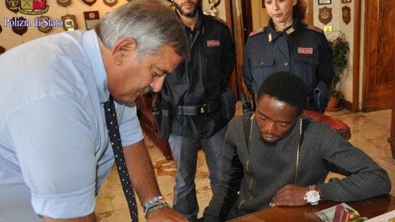 Roma, fa arrestare padre che offriva la figlia disabile per sesso: nigeriano premiato con permesso di soggiorno