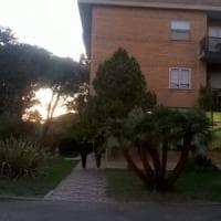 Latina, sorprende i ladri nella casa del padre: spara e ne uccide uno