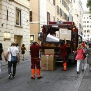 """Roma, Ama assicura: """"Raccolta rifiuti in locali del centro garantita anche dopo il 31 ottobre"""""""