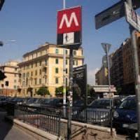 Roma, picchiati perchè sospettati di aver staccato manifesto: indagati