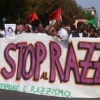 Roma contro il razzismo, in piazza il popolo dei movimenti: