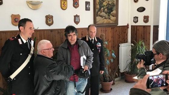 Roma, trova portafogli con 2mila euro e lo consegna ai carabinieri