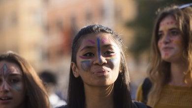 In migliaia in Centro contro il razzismo per lo Ius soli e il diritto alla casa   foto