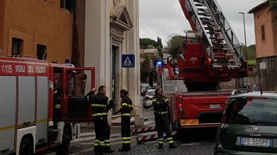 Via Appia Antica, si staccano stucchi  dalla chiesa Domine Quo Vadis   foto
