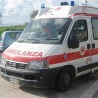 Roma, si schianta con auto su un tir in sosta: morto 53enne