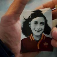 Anna Frank, l'orribile oltraggio degli ultrà laziali che non sanno nemmeno
