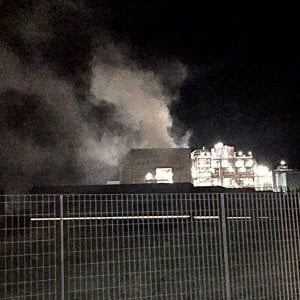 """San Vittore, incendio nel termocombustore. I sindaci della zona: """"Stop all'uso di ortaggi e pascolo"""""""