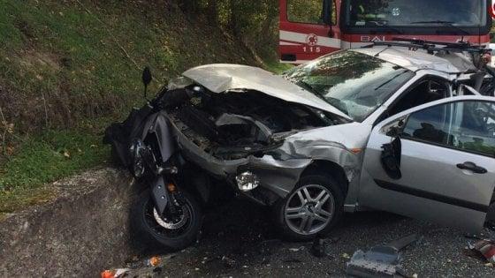 Maxi incidente sull'A24, tredici persone ferite: tre sono gravi. Autostrada chiusa