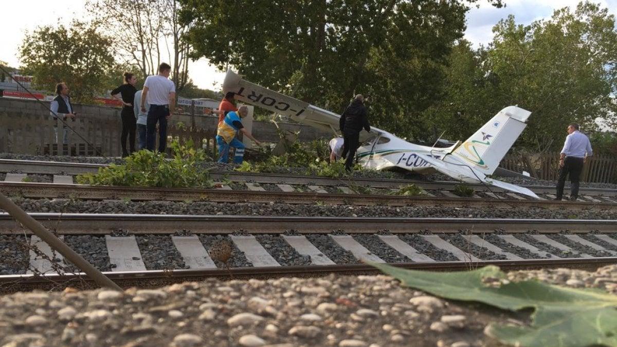 Jet Privato Roma Olbia : Roma aereo da turismo cade sui binari dell alta velocità
