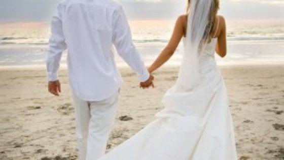 Matrimoni Spiaggia Ostia : Anche roma avrà una spiaggia degli sposi approvata la