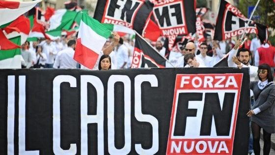 """Roma, gli arruolati da Forza Nuova: """"Prima l'attacchinaggio poi i raid anti immigrati così ci formiamo"""""""