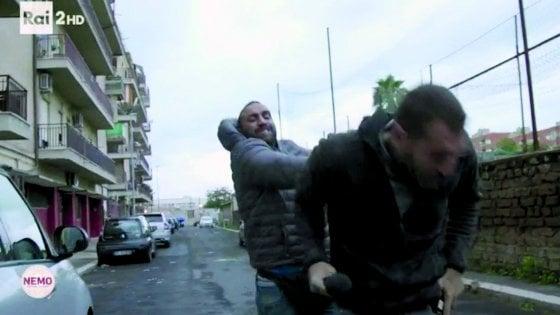 Reporter aggredito ad Ostia