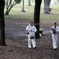 Roma, due omicidi con il pugnale: per gli investigatori la mano è la stessa. Il fermato ammette: