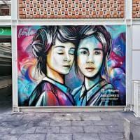 Roma, le donne di Alice Pasquini sui muri del mercato Testaccio