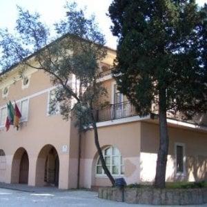"""Roma, bagarre all'XI Municipio: """"Allontanateli col metodo Spada"""""""