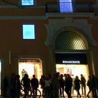 Blackout nel centro di Roma, al buio la Rinascente e altri negozi in via del Tritone