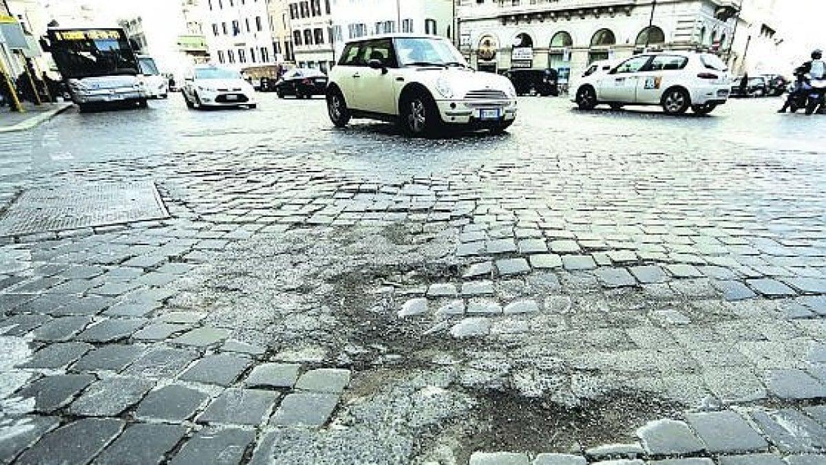 Roma da via giulia a testaccio ecco le 10 ferite del for Immobili c1 roma