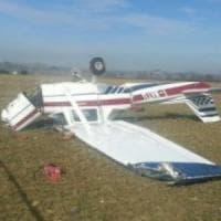 Pomezia, cade ultraleggero: morto il pilota. Aveva chiesto atterraggio di
