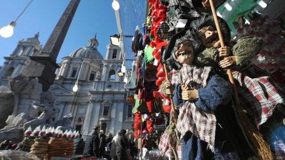 Befana a Roma,  grazie a bando 5S i Tredicine si riprendono piazza Navona per 9 anni