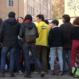 """Roma, """"Virgiliamoci"""": flash mob di studenti e genitori in difesa del liceo di Via Giulia"""