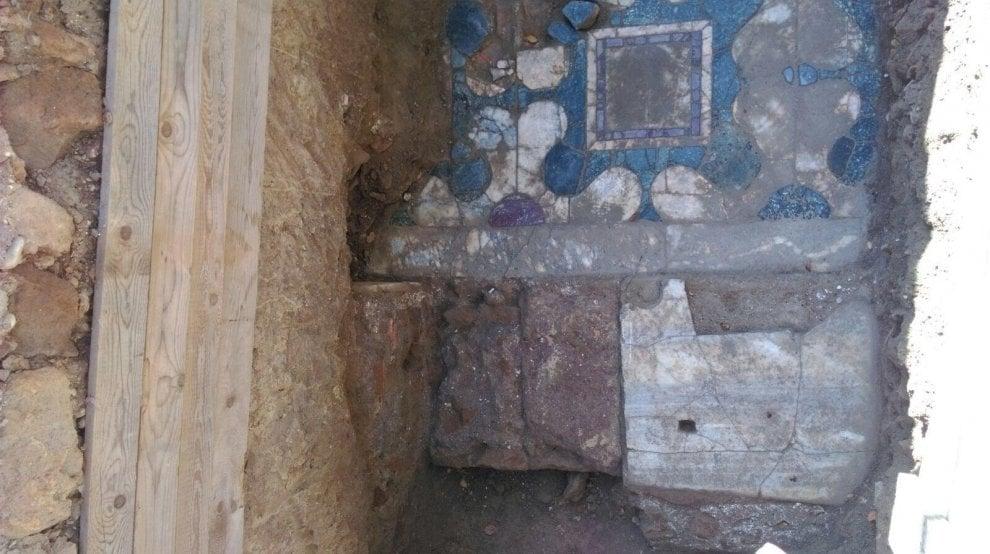 Roma, ritrovati resti di un edificio di età imperiale in un cantiere a Ponte Milvio