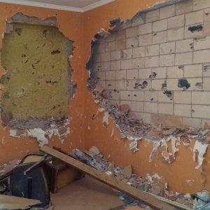 Roma distrugge casa della madre e auto della vicina la for 30 50 design della casa