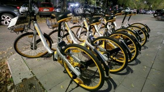 """Roma, cinquanta bici """"libere"""": così riparte il bike sharing"""
